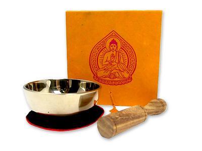 Kleine Klangschale mit hellem Klang in origineller Box mit Buddha-Aufdruck