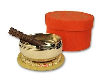 Kleine hochglanz Klangschale in orangefarbiger Box mit Buddha-Aufdruck