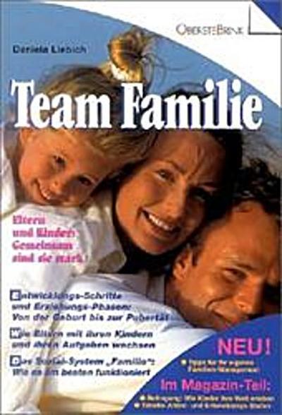team-familie-eltern-und-kinder-gemeinsam-sind-sie-stark