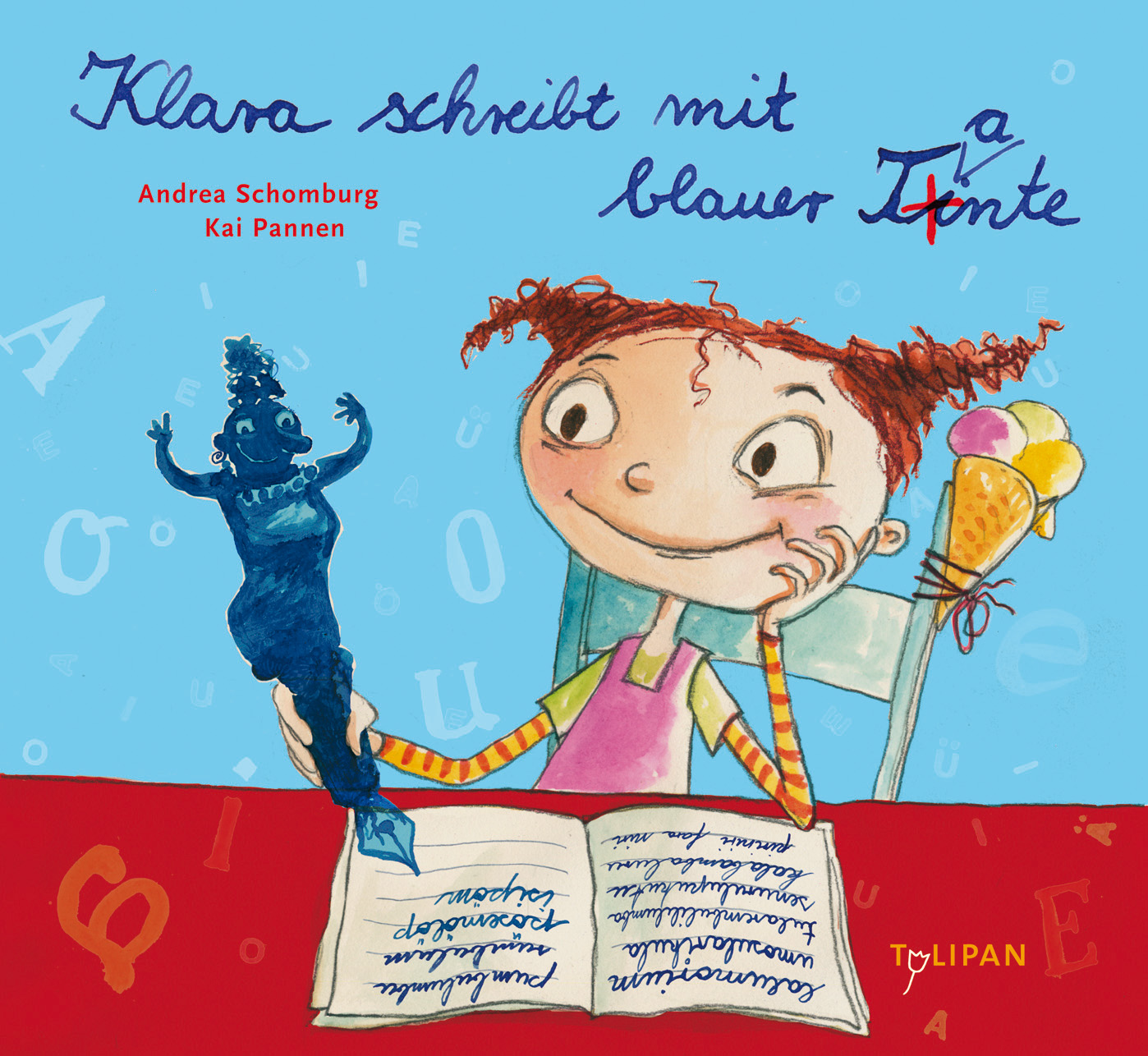 Klara schreibt mit blauer Tante Andrea Schomburg