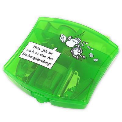 Sheepworld 45162 Mini-Büro-Set Mein Job ist auch so eine Art Dschungelprüfung!, Geschenkset, grün - SHEEPWORLD AG - Haushaltswaren, Deutsch, , Inhalt: 1 Locher, 1 Spitzer, 1 Tacker, 1 Klebebandroller mit 2 Nachfüllrollen, 1 Entferner, 500 Stück Heftklammern, Box-Maße: 10,5 x 11 x 3 cm, Inhalt: 1 Locher, 1 Spitzer, 1 Tacker, 1 Klebebandroller mit 2 Nachfüllrollen, 1 Entferner, 500 Stück Heftklammern, Box-Maße: 10,5 x 11 x 3 cm