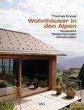 Wohnhäuser in den Alpen. . Neubauten, Restaur ...