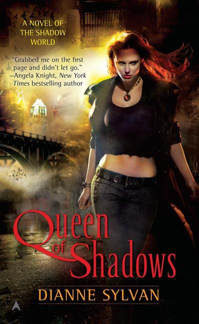Queen of Shadows (A Novel of the Shadow World, Band 1)