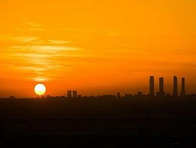 Skyline von Madrid im Sonnenuntergang - 1.000 Teile (Puzzle)