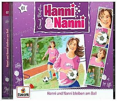 061/Hanni und Nanni bleiben am Ball