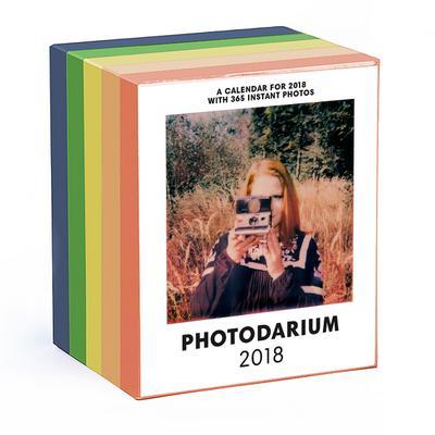 PHOTODARIUM 2018 (früher Poladarium): Every Day a new Instant Photo - Seltmann & Söhne - Kalender, Englisch, Raban Ruddigkeit, A Calendar with 365 Instant Photos. Tageskalender, A Calendar with 365 Instant Photos. Tageskalender