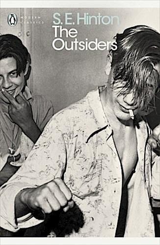 Susan E. Hinton ~ The Outsiders 9780141189116